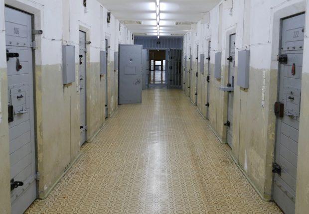 Sapete quanti mafiosi al 41bis sono stati scarcerati in questi giorni? 300? No, 3!